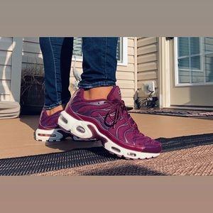 Nike Women's Air Max Plus TN 💜